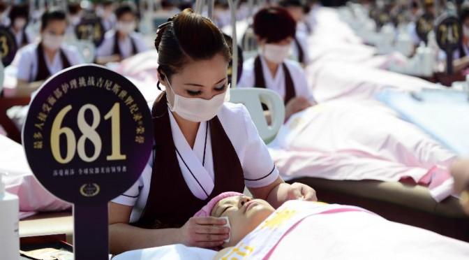 1000 volontaires pour un massage faciale